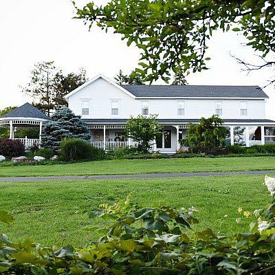 Tour White Cottage Farmhouse – THE BEFORE