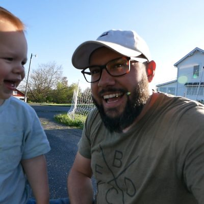 Vlog 13: DIY Garden Beds with Trellis and Bumping back the pasture